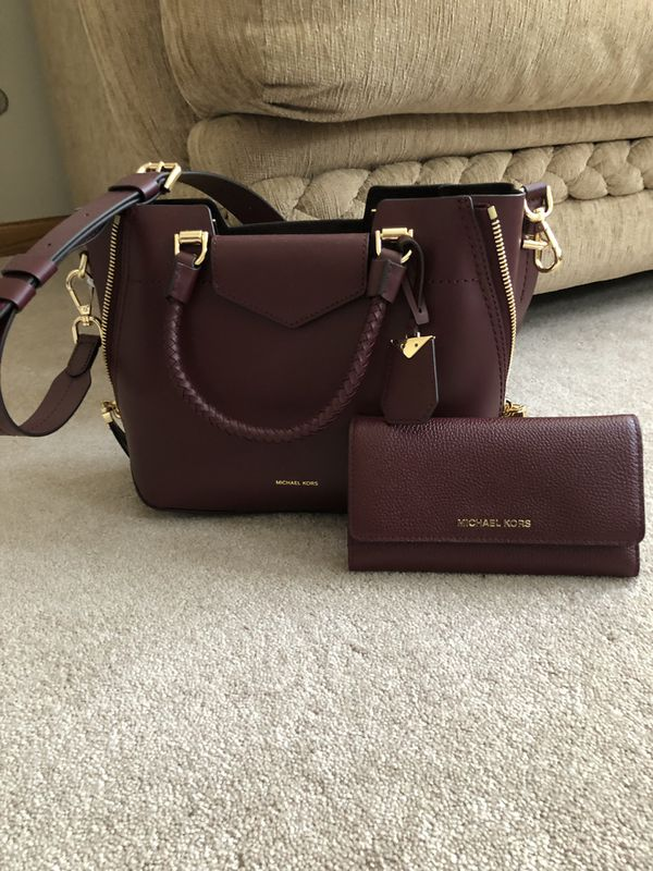de1b3a0c067a8e 100% Authentic BRAND NEW 2019 Blakely Michael Kors 2 way purse with  matching wallet!