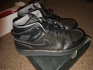 AIR JORDAN RETRO 1 MID Black Leather Grey men's size 12 for Sale in Sanford, FL