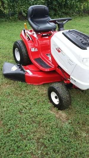 Riding lawn mower for Sale in Manassas, VA