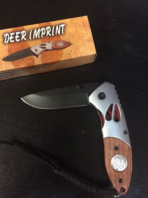 4 1/2 inch folding pocket knife for Sale in Cleveland, OH