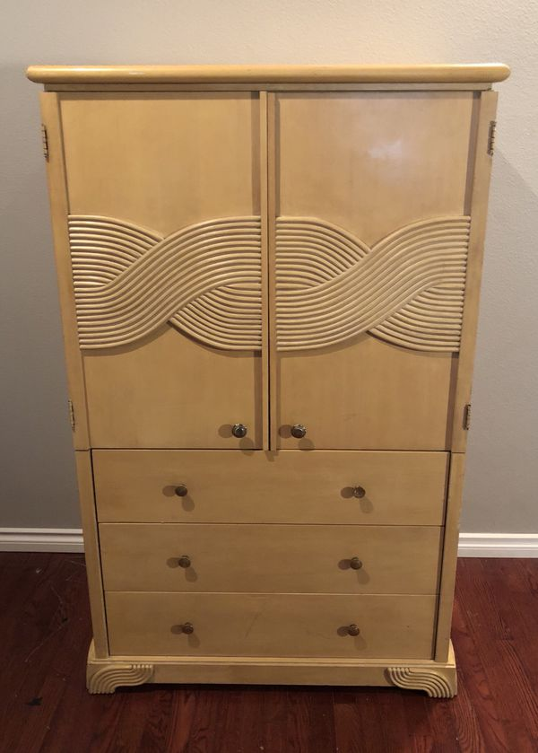 Roy Thomas Furniture Armoire Entertainment Center In West Linn Or Offerup