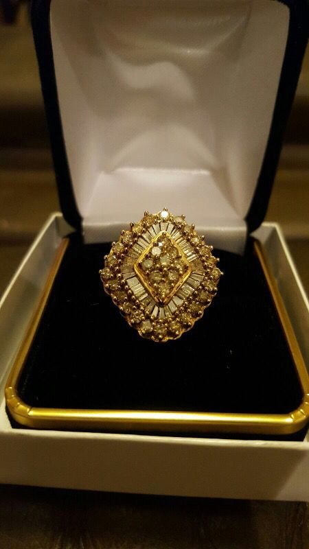 50yr old 10 carat diamond ring