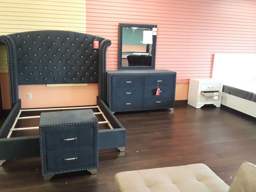 New Last One For A While 4 Piece Queen Bedroom Set