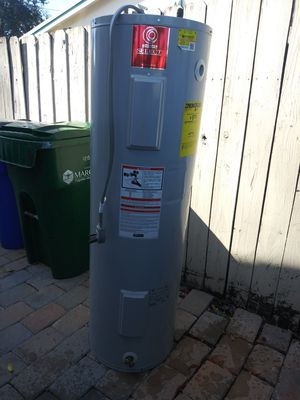 Water heater in perfect condition for Sale in North Lauderdale, FL