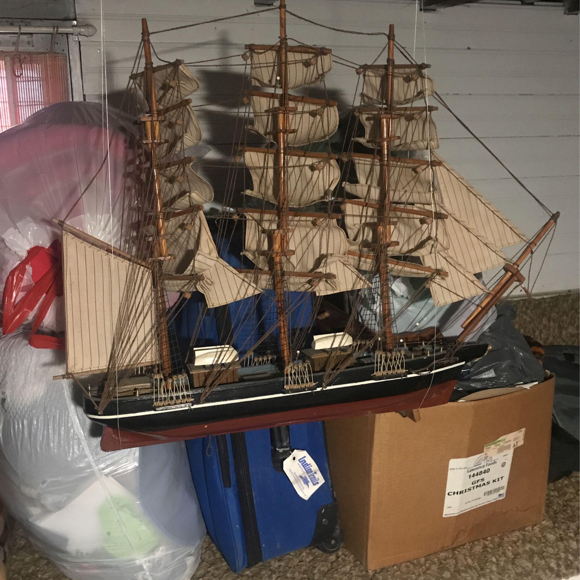 Photo Hand Made Boat