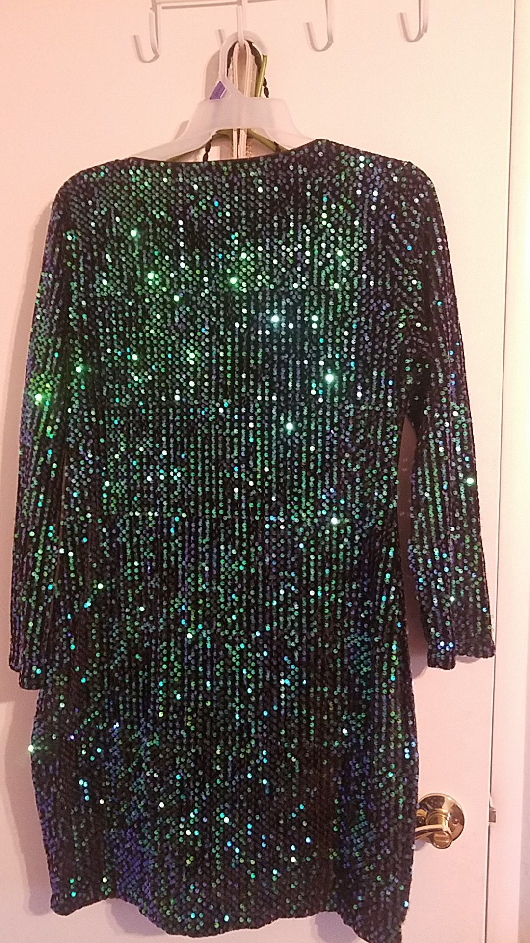 Green sparkly party dress