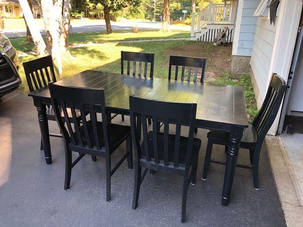 a3f10d6d1a550 Jordan s Furniture Dining Room Set Black for Sale in Medfield