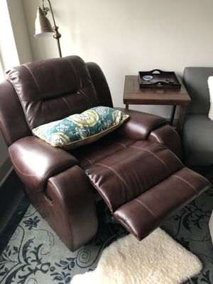 Leather recliner, good condition for Sale in Sterling, VA