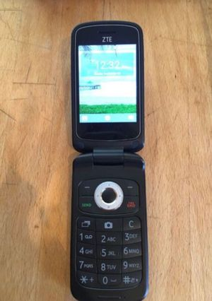 Tracfone flip phone ZTE Z233VL  Excellent like for Sale in Alhambra, CA -  OfferUp