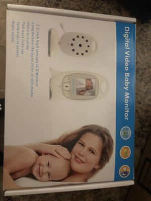 White and grey baby monitor for Sale in Chillum, MD