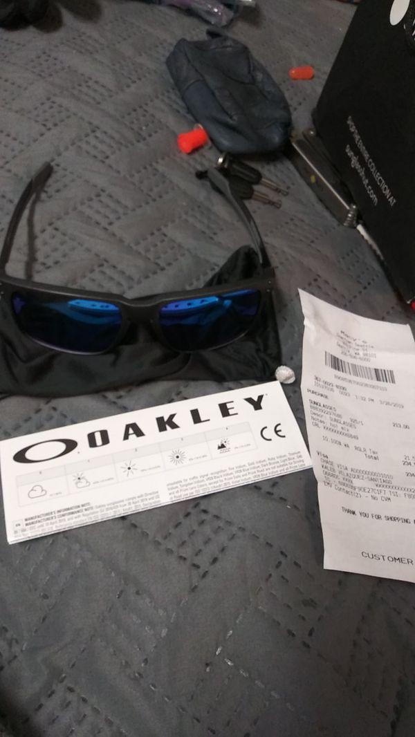 d65a9a4be8b1 Oakley sunglasses orig. 234.51 for Sale in Seattle, WA - OfferUp