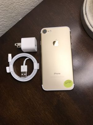 iPhone 7 32gb unlocked for Sale in Dallas, TX