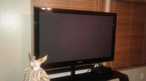 Sells 50 inch samsung television and tv stand for Sale in Glen Allen, VA