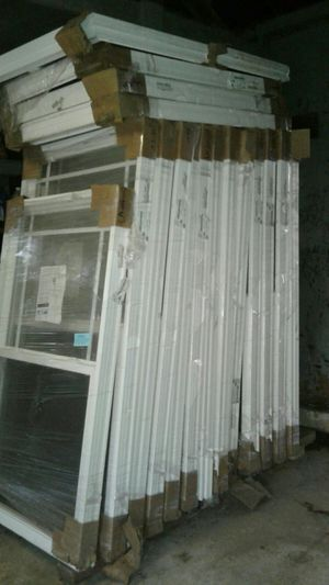 18 brand new vinvly windows for Sale in TN, US