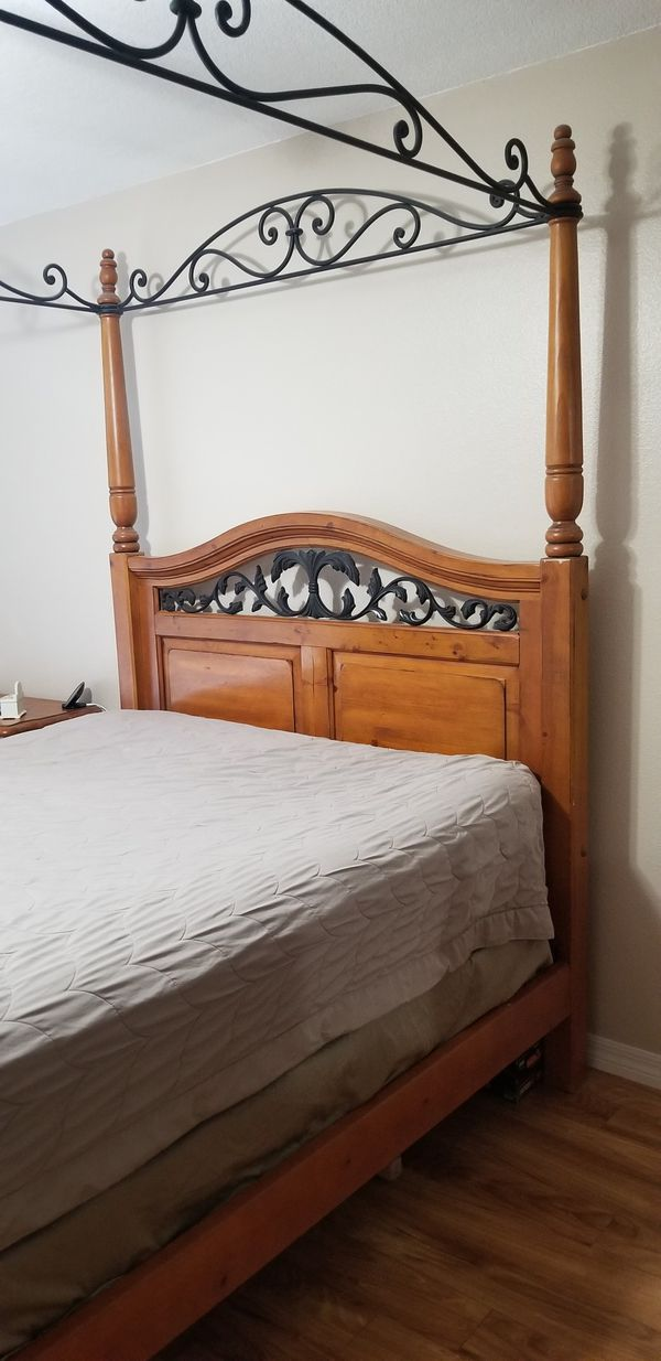 Queen Bedroom Set Mattress Not Included For Sale In Palm Harbor Fl Offerup