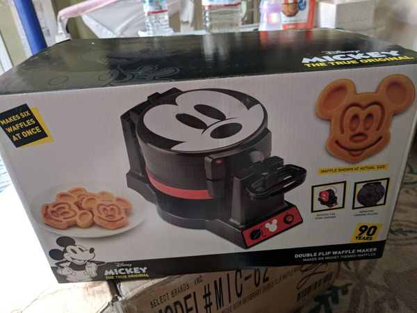 17f51065c Mickey Double Flip Waffle Maker for Sale in Los Angeles, CA - OfferUp
