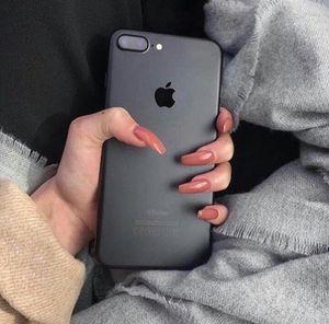 iPhone 7 Plus 128gb Unlocked for Sale in Fairfax, VA