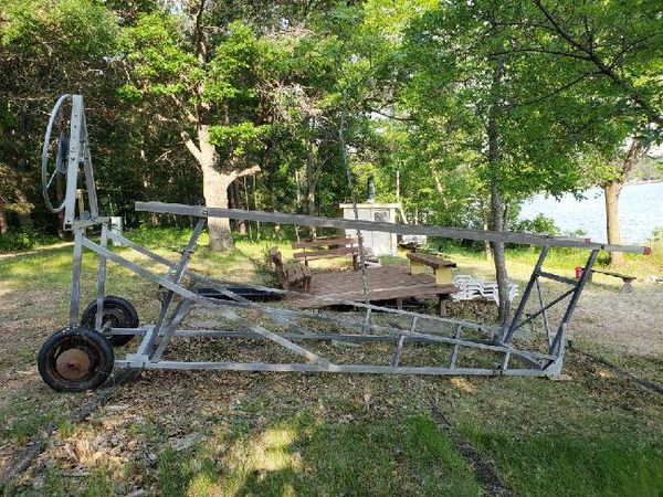 Pontoon boat lift for Sale in Nisswa, MN - OfferUp