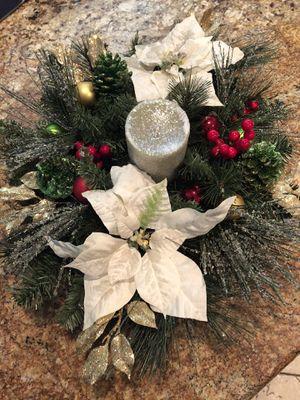Christmas centerpiece for Sale in Menifee, CA
