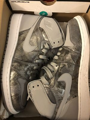Air Jordan 1 Retro High - 7y for Sale in Pasadena, MD