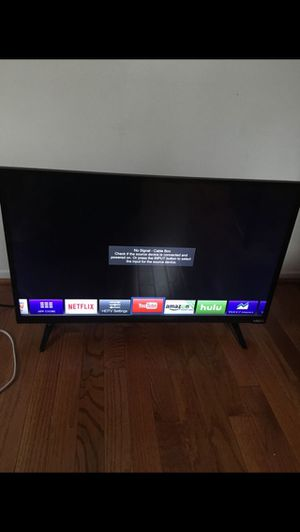 vizio 32 inch smart tv for Sale in Alexandria, VA