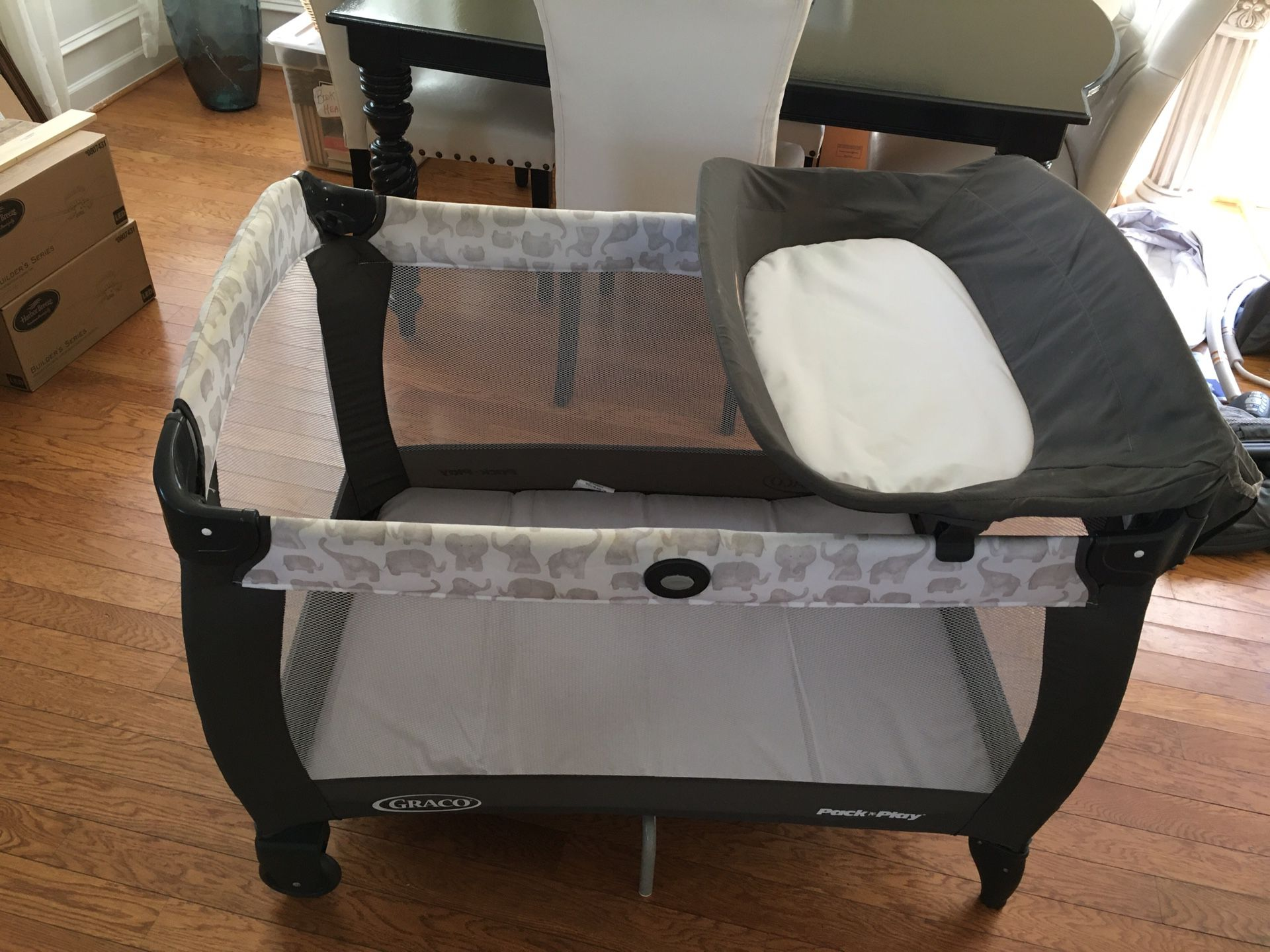 Gray Co Newborn Napper with Soothe Surrounding Technology