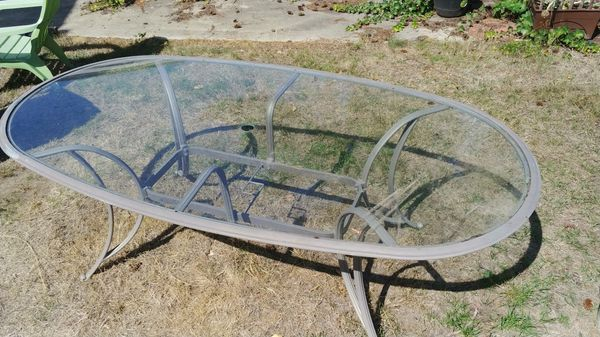Free Patio furniture table chairs for Sale in Tacoma, WA ...
