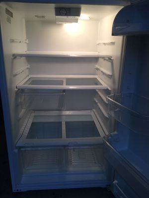 Whirlpool Refrigerator for Sale in Rockville, MD