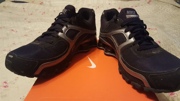 huge selection of 84ddc 7a679 Nike Shox Turbo 9+ Black n Silver size 10 Men for Sale in Midlothian, VA -  OfferUp