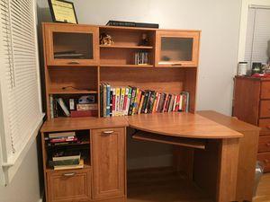 Computer Desk with hutch for Sale in Fairfax, VA