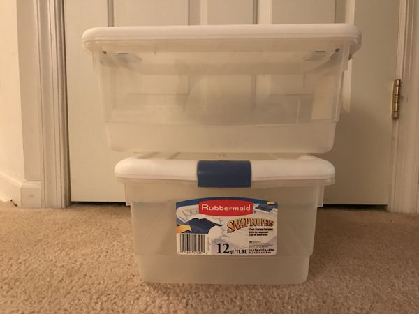 Set of Two 2 Rubbermaid Snaptoppers 12 qt Clear Storage Containers