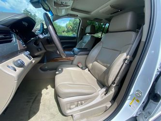 2016 Chevrolet Suburban Thumbnail