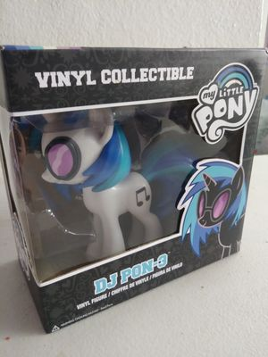 Dj pon-3 Vinyl toy Collectible for Sale in Paradise Valley, AZ