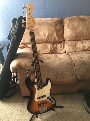 Squier Jazz Bass 5 String - Affinity Series ! for Sale in Aloma, FL