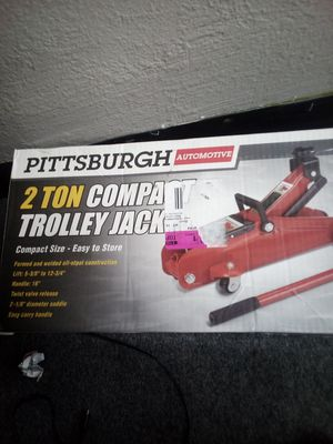 Photo Pittsburgh 2-ton compact trolley Jack