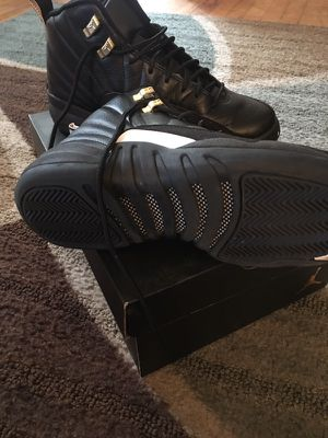 Air Jordan 12 blk and white size 6 boys for Sale in Severn, MD