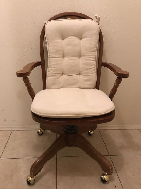 Tremendous Cherrywood Vintage Rotating Reclining Desk Chair Has A Split In The Seat 10 Obo For Sale In Port Charlotte Fl Offerup Download Free Architecture Designs Grimeyleaguecom