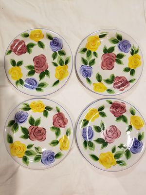 Beautiful 4ps dinner plates for Sale in Martinsburg, WV