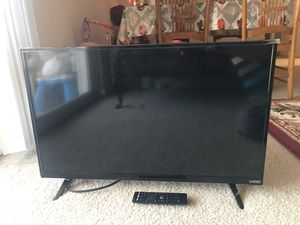 """Vizio 32"""" smart tv for Sale in Fairfax, VA"""