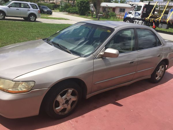 2000 Honda Accord ** Stick Shift** Need it gone asap! for Sale in Miramar,  FL - OfferUp