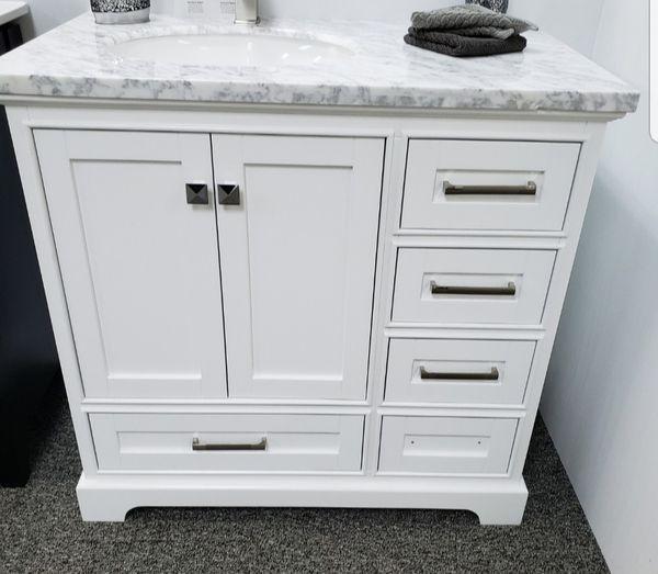 Bathroom vanity for Sale in Naples, FL - OfferUp