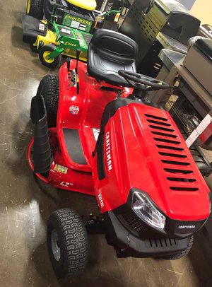 Photo Brand New CRAFTSMAN T110 17.5-HP Manual/Gear 42-in Riding Lawn Mower with Mulching Capability 714