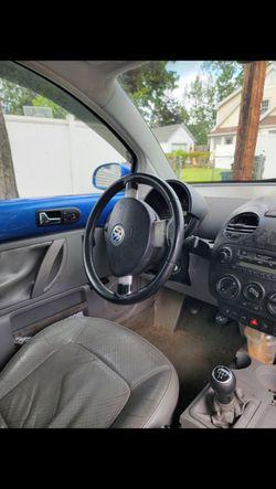 2004 Volkswagen Beetle Thumbnail