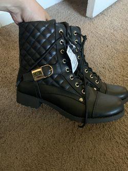 Women's Boots Thumbnail
