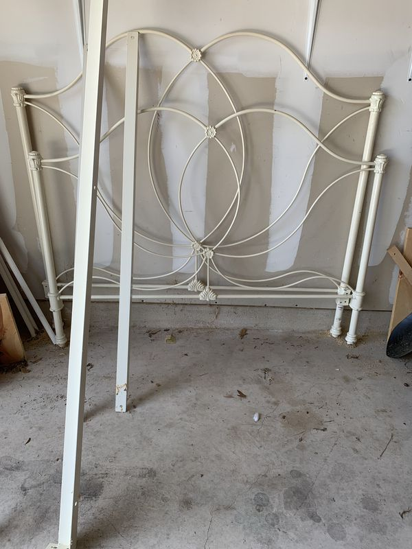 Pottery Barn Full Size Metal Frame Need Gone For