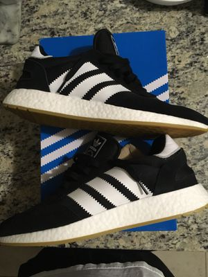Ds inka boosts size 12 $75 today for Sale in Aldie, VA