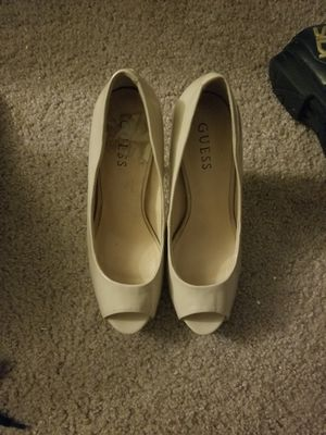 Guess women's shoes size 8 for Sale in San Diego, CA