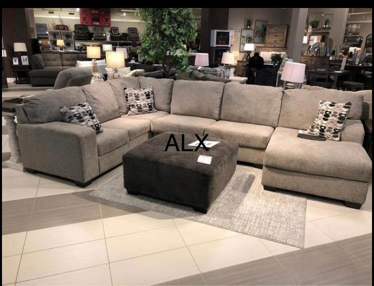 Ashley - sectioanl Brand New Oversized Limited Stock ^