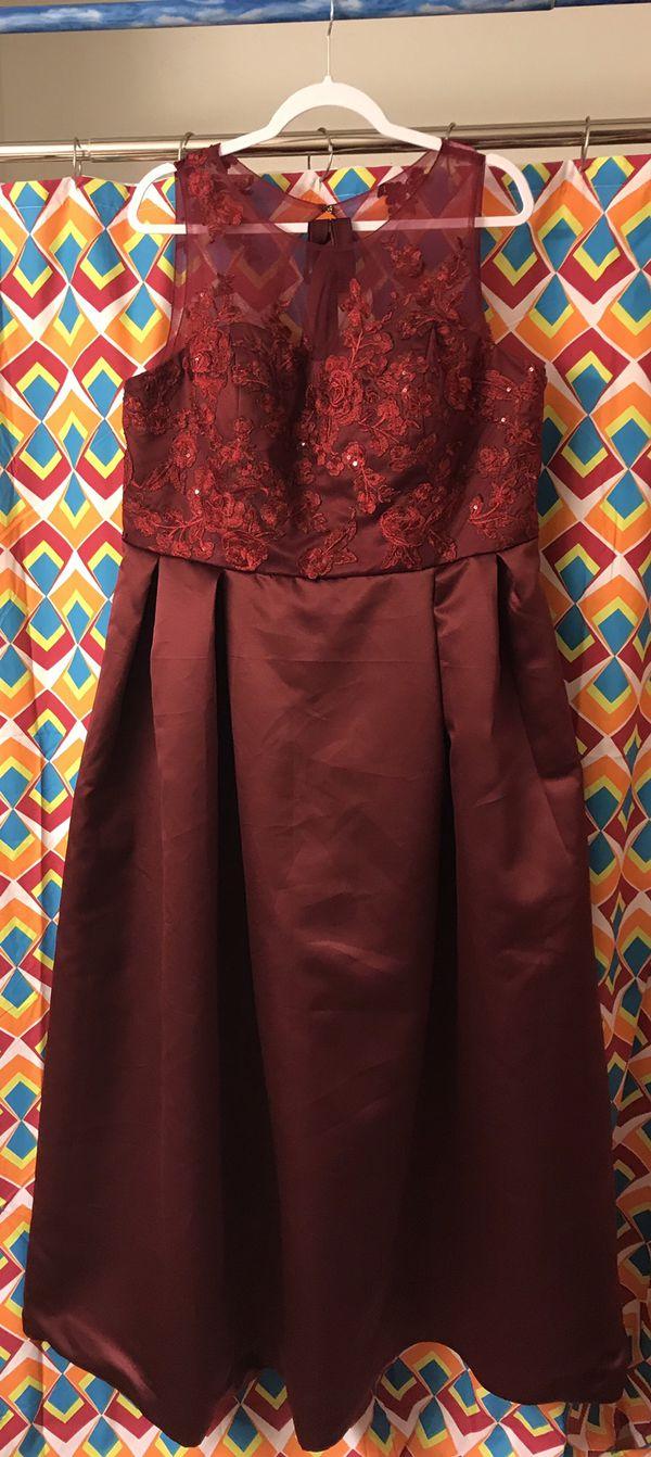 0cef619dfd Inspired OLEG CASSINI Appliqued Illusion Faille Bridesmaid Dress for ...