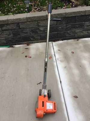Black & Decker lawn edger for Sale in Pittsburgh, PA